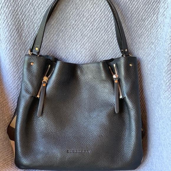 dff0d059fb6 Burberry Handbags - Burberry Maidstone Brit Medium Tote Bag